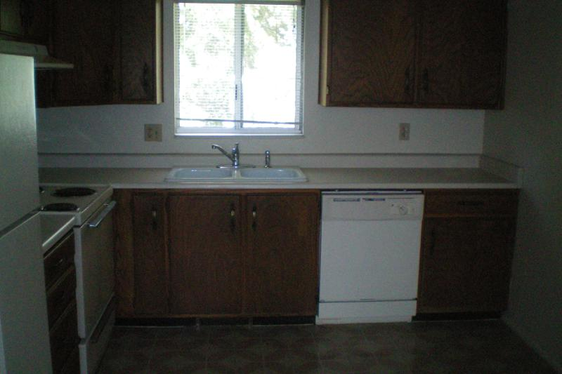 295 North 400 West, Provo - Kitchen